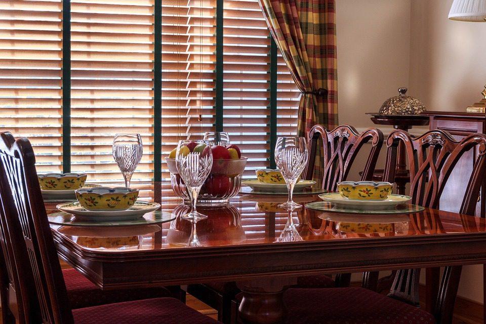 Modne i stylowe meble do restauracji